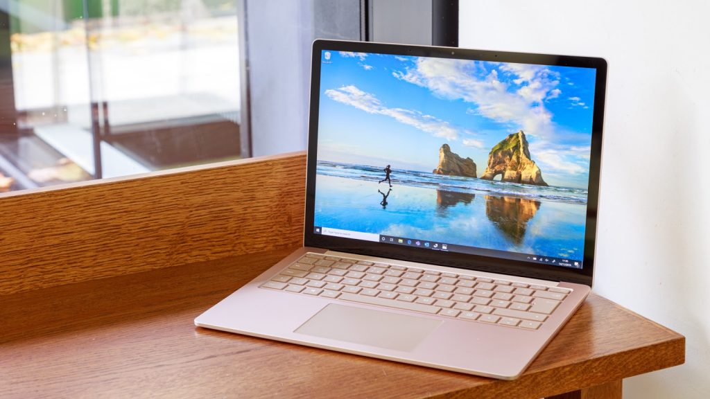 giá Surface Laptop 4